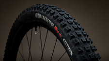 Product Photography | Kenda Pinner Tire