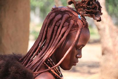 אישה משבט אפריקאי - טיול לנמיביה.jpg