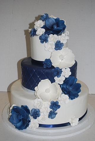Sweet Eats Bakery Fondant Wedding Cakes