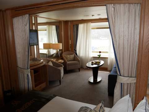 STAR PRIDE Ocean View Suite