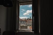 window-4605938_1920.jpg
