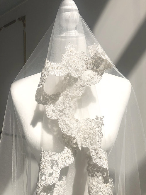 Mini Skirt Off-White Veil.