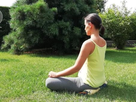 Jak siedzieć w medytacji? – pozycja medytacyjna