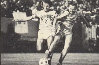 Former Premier League player helps coach RU men's soccer