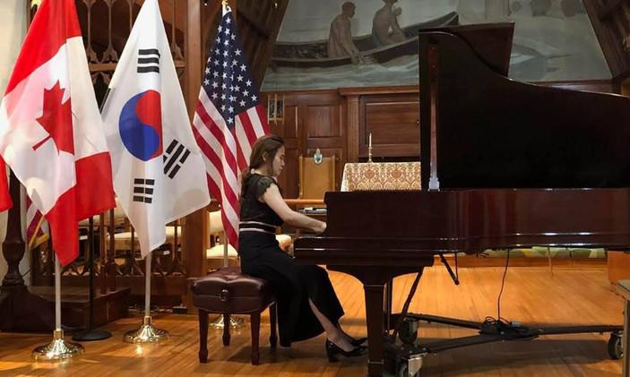 """Ko Eun Jeoung, South Korea - I Prize, Category """"Professional"""""""