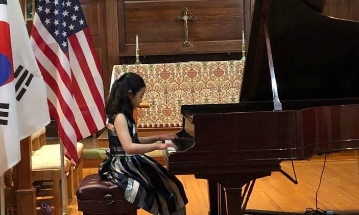 "Laetitia Ji, USA- I Prize, Category ""Junior"""