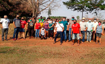 Técnicos da Agraer e agricultores familiares de Ribas do Rio Pardo debatem PAA da Conab