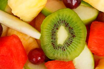 Unicef: 41% dos jovens brasileiros deixaram de comer frutas e hortaliças durante a pandemia