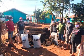 Aldeia Água Bonita recebe apoio do Programa Hortas Urbanas