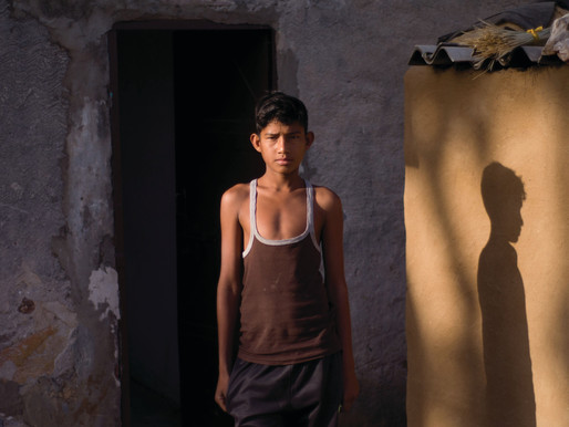 Chalo - Chale is A City-to-City documentation of everyday boyhood in IndiA
