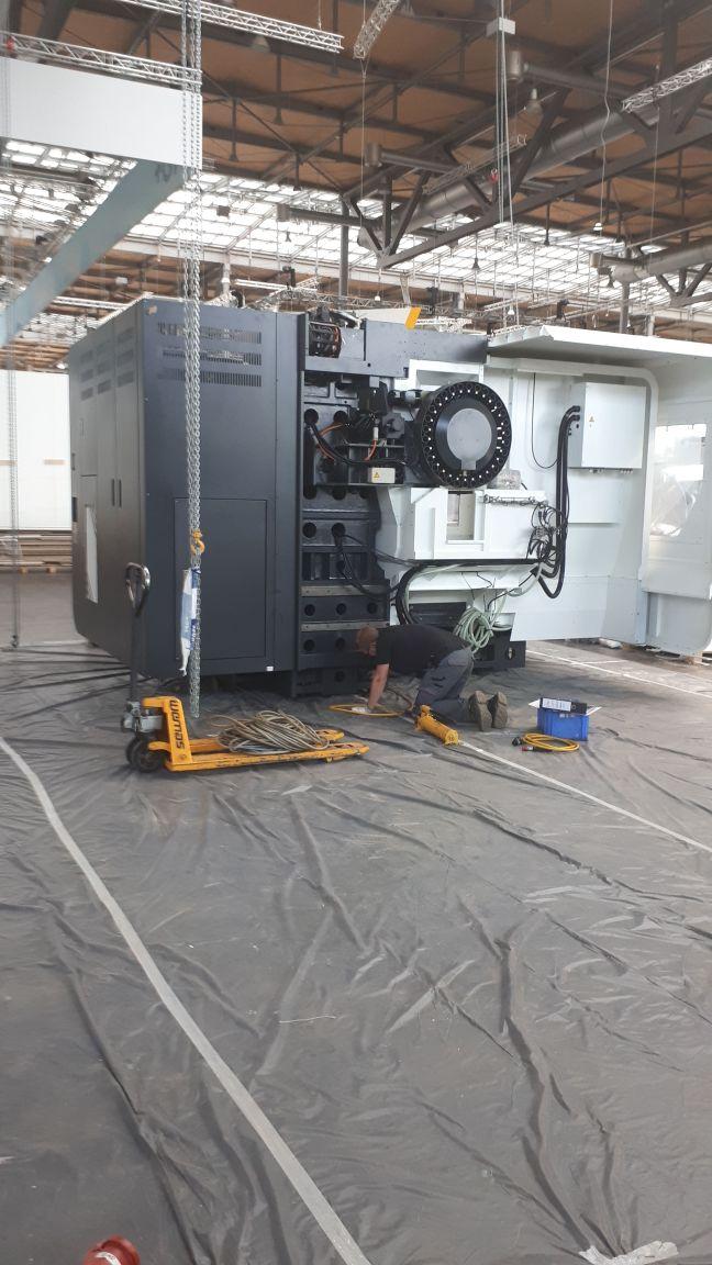 Auslieferung/Aufstellung Maschine