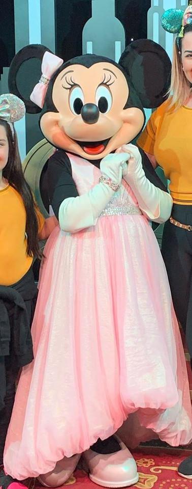 Tal mae tal filha lindas na Disney Aline e Isabella Macedo!