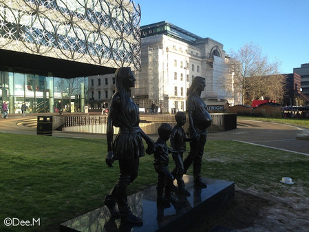 Statue: The so called 'modern' family