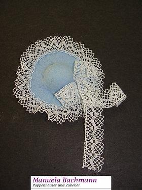 Handgefertigter Designerhut hellblau mit weisser Spitze