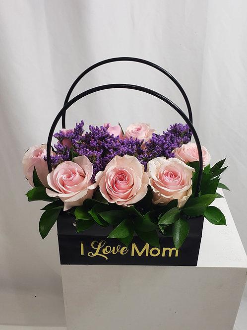 I love Mom Black Luxury Bag Arrangement