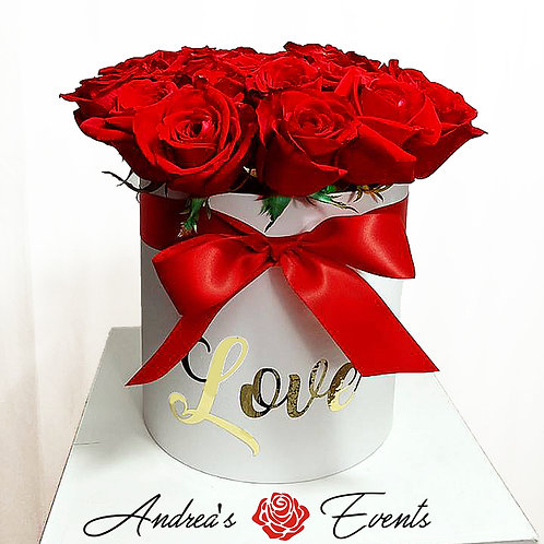 "Red Bow White Round Box (Gold ""LOVE"")"