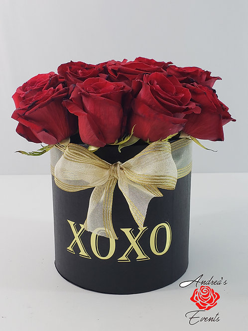 XoXo Medium Round Tall Black Box Gold Bow