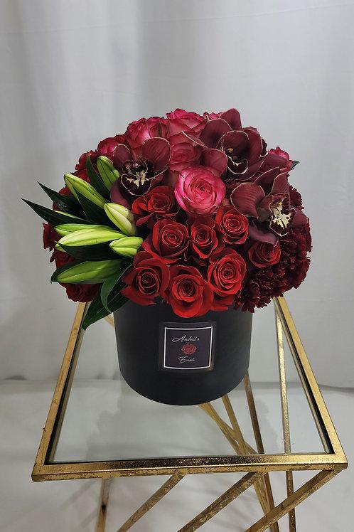 """""""Mi Corazón"""" X-Large Luxury Fresh Flower Arrangement"""