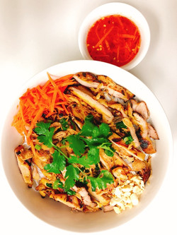 Grill Chicken Noodle Bowl