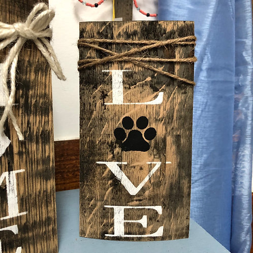 Love Shelf Stave Sign