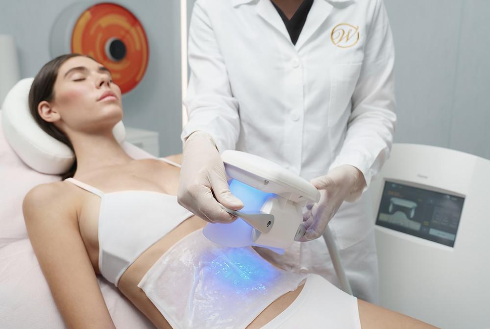 Alternative non chirurgiche alla addominoplastica da Wellssuite Centro Medico