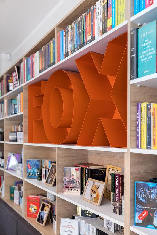 9-Fox-Away.jpg