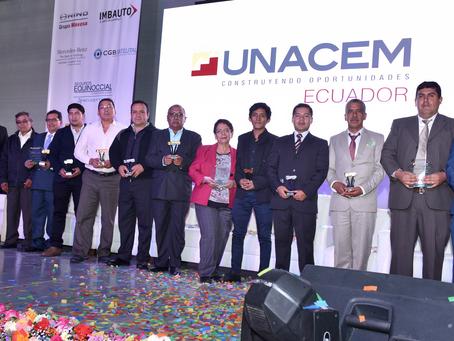 UNACEM ECUADOR reconoció a los conductores y transportistas más seguros