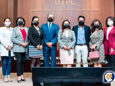 """UTPL presentó su sitio web """"Patrimonio Cultural UTPL"""" junto con exposición fotográfica itinerante"""