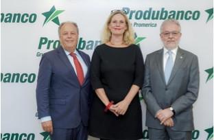 Produbanco presentó la versión en español del libro: Banca para un Mundo Mejor