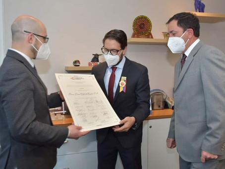 DINERS CLUB es condecorado por la Cámara de Comercio de Cuenca