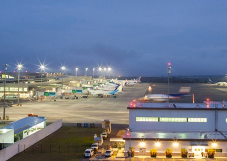 QUIPORT: Aeropuerto de Quito reemplaza luces por tecnología LED