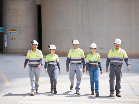 HOLCIM: Este mes celebramos el rol de la mujer ecuatoriana en el sector de la construcción