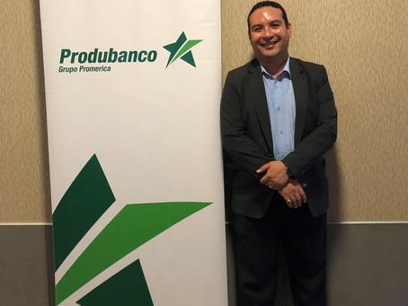 """Produbanco premió al ganador del concurso """"Grita un gol en la Gran Final de Brasil"""""""