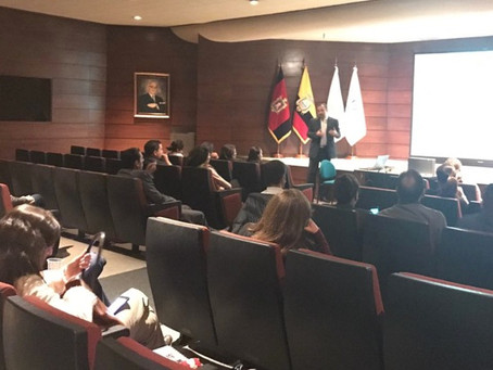Miembros de CERES visitaron el Banco Pichincha