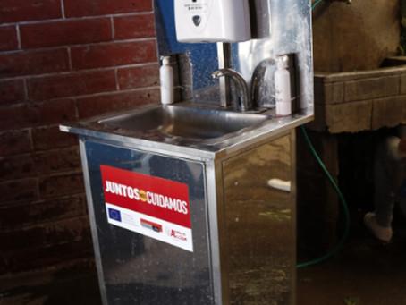 AYUDA EN ACCIÓN instala lavamanos en mercados de Imbabura para evitar la propagación de la COVID-19