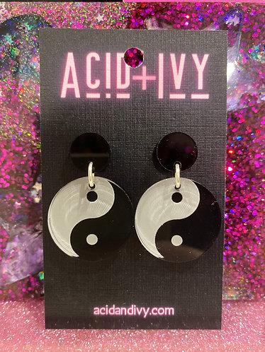 Yin & Yang dangles