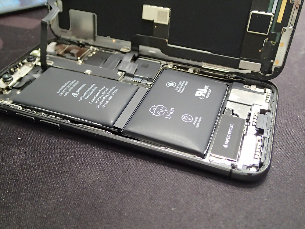 iPhoneXのバッテリーの膨張