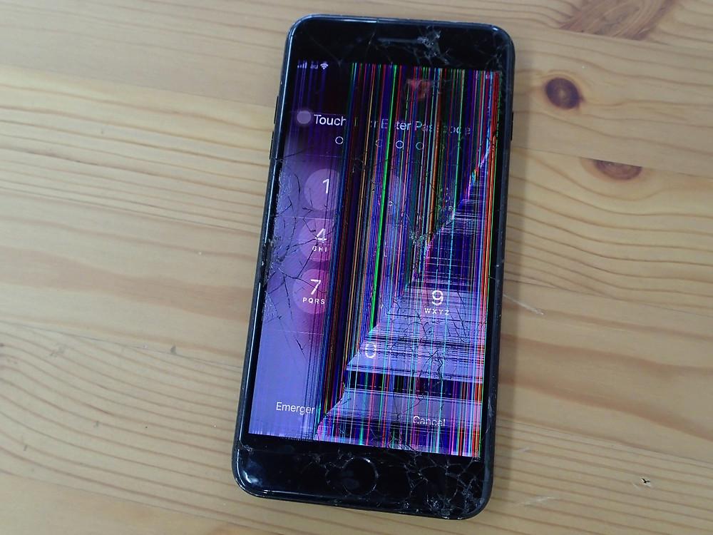 iPhone6sPlusの画面破損