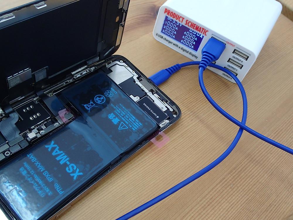 iPhoneXsMAXのバッテリーを仮組して検査