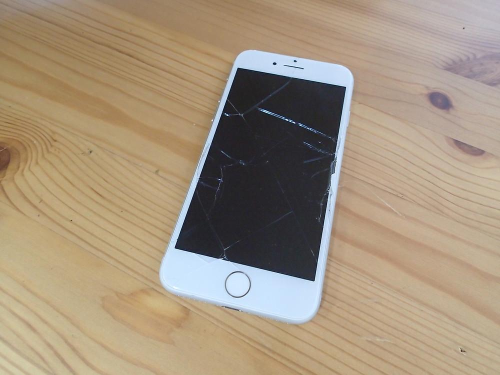 iPhone6s画面割れ一般的なコピー画面を使用している