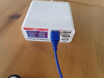 チッカー付きのUSB充電器