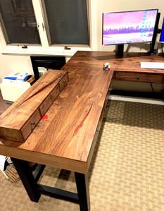 Walnut Media Desk