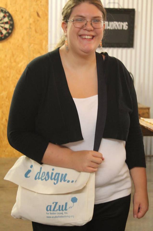 Mariah with aZul's i design.. bag