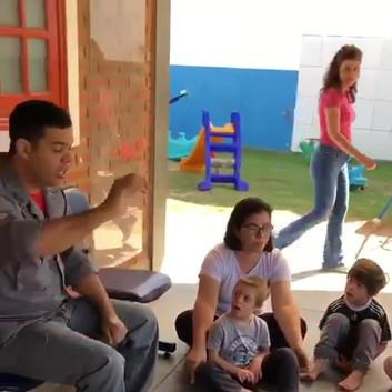 Hoje a Escola Prima e as crianças do Gru