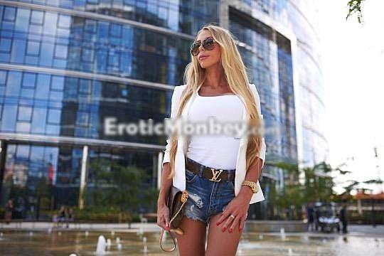 julia chicago 4_edited