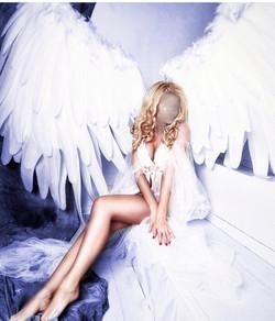 angelina Luxe 1