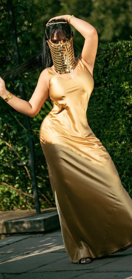 layla yellow 4