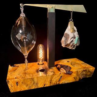 Emerald Radiometer Lamp