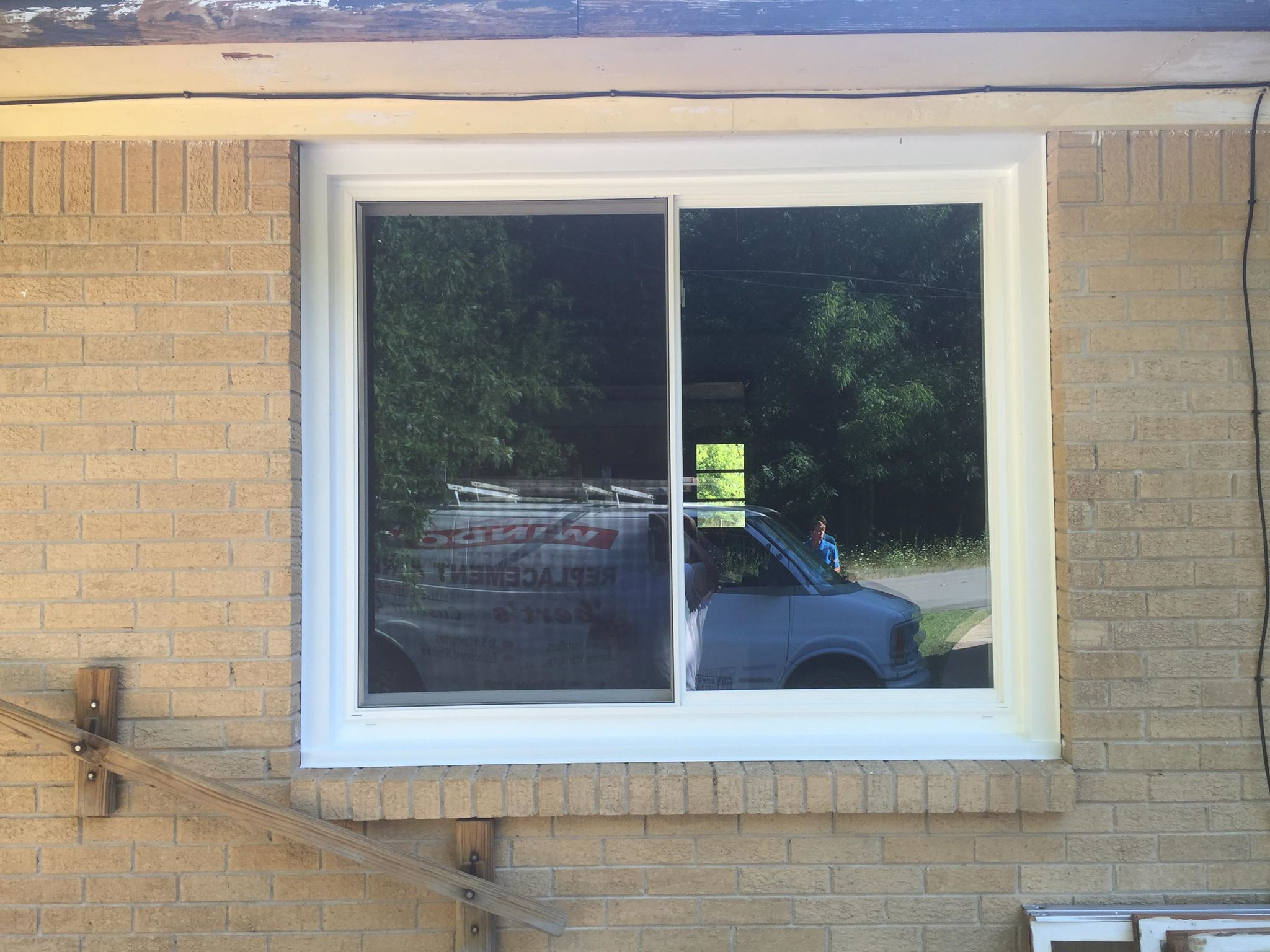 Winow Repar / Door Repair / Window Replacement / Widow Installations / Muscle Shoals Window Repair /