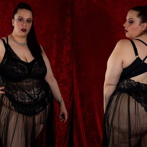 Body string noir grande taille échancré dentelle avec jupe de maille
